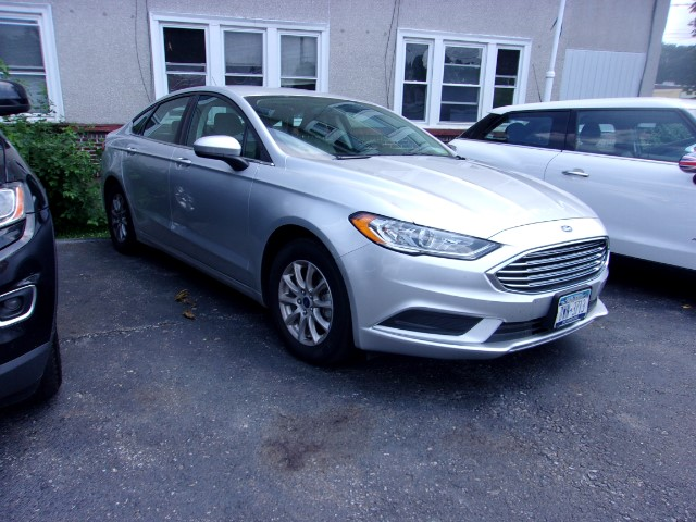 2017 Ford Fusion 4dr Sdn I4 SE FWD