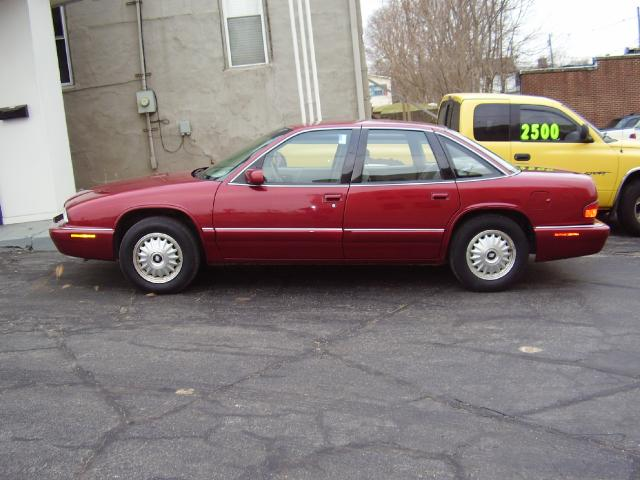 1995 Buick Regal Custom Sedan