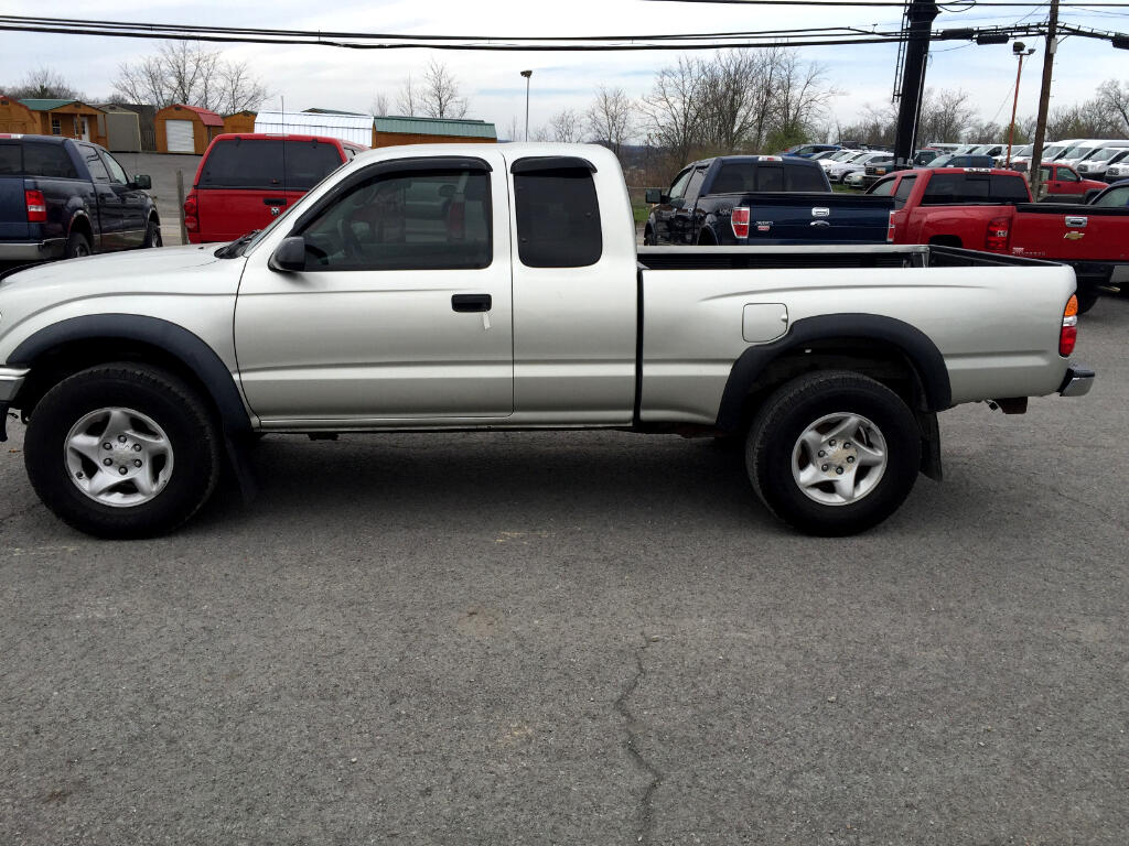 2004 Toyota Tacoma XtraCab Manual 4WD (Natl)