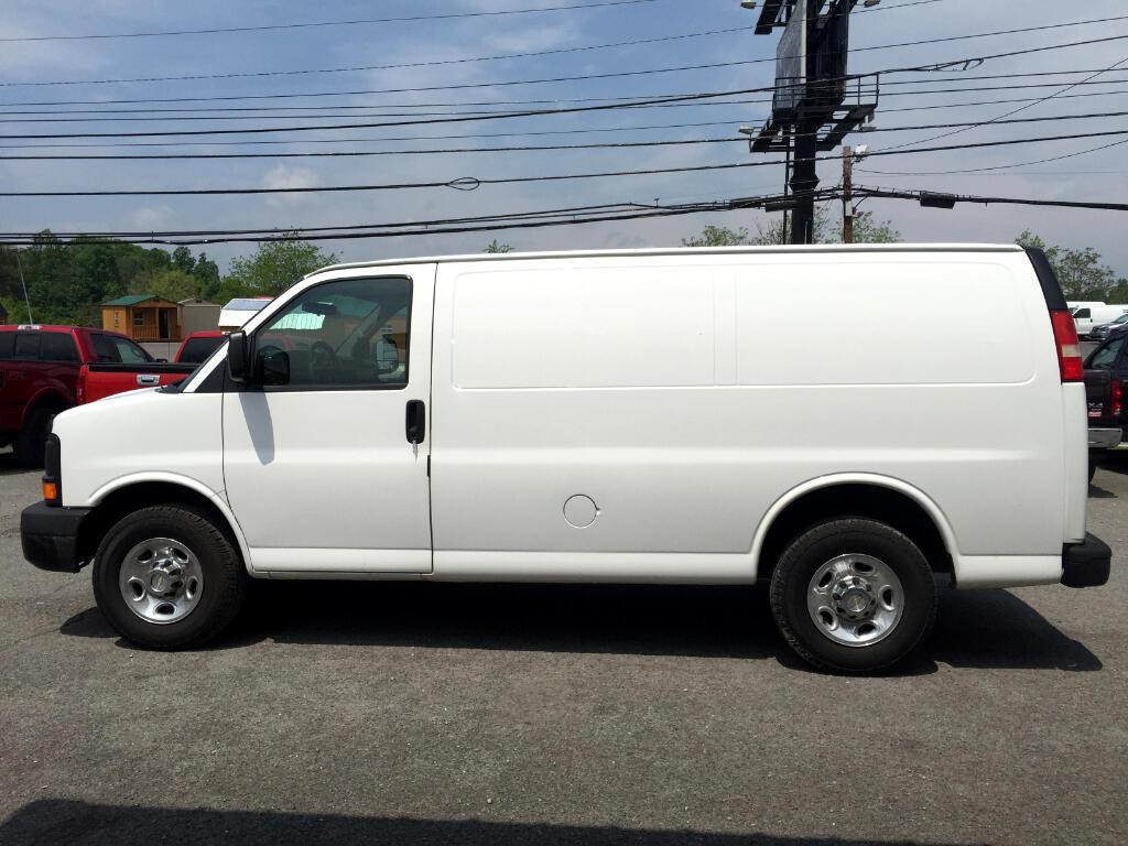 2011 Chevrolet Express Cargo Van RWD 3500 135