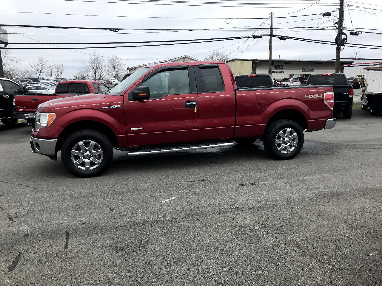 "Ford F-150 4WD SuperCab 145"" XLT 2013"