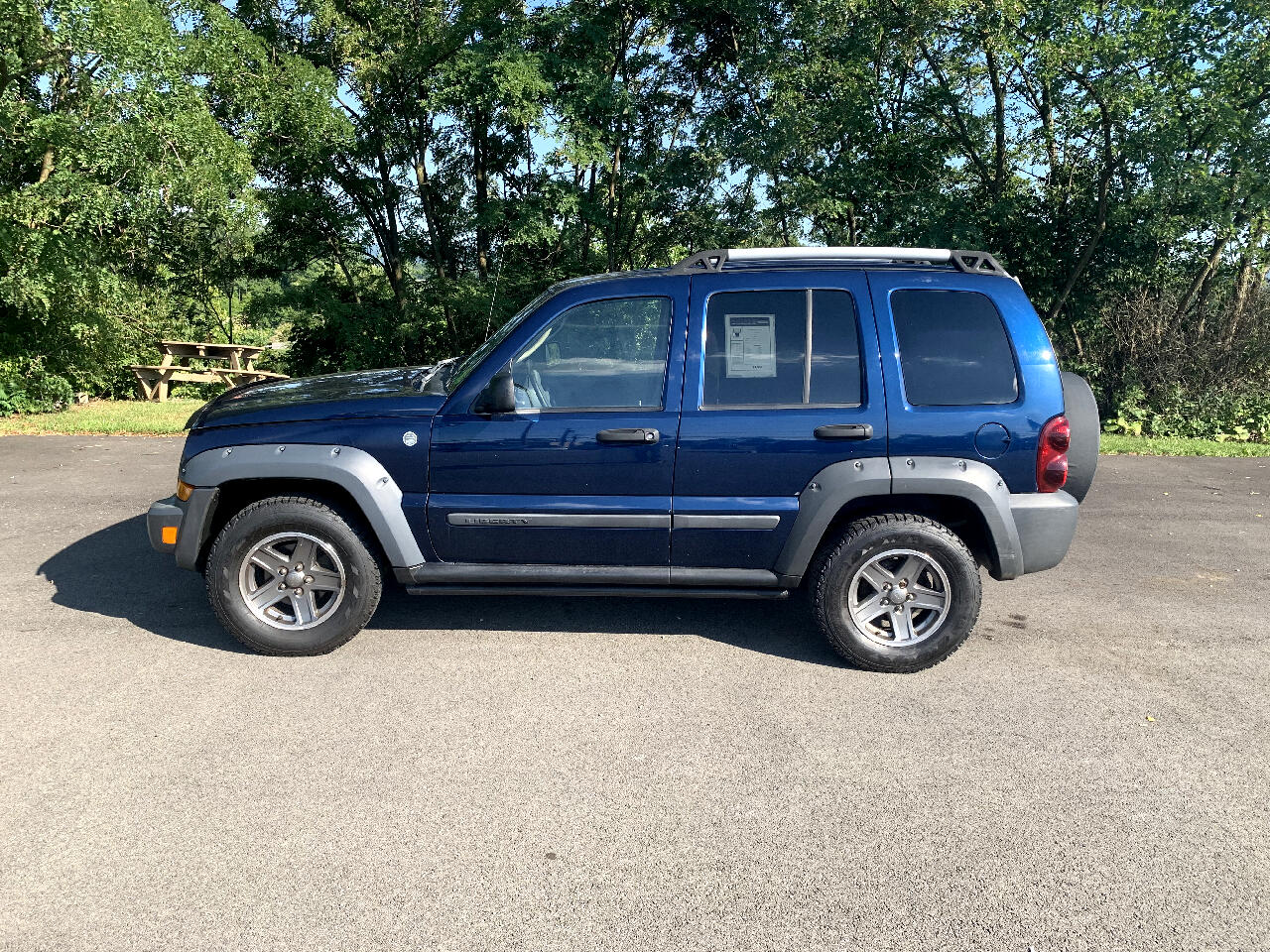 Jeep Liberty 4dr Renegade 4WD 2005