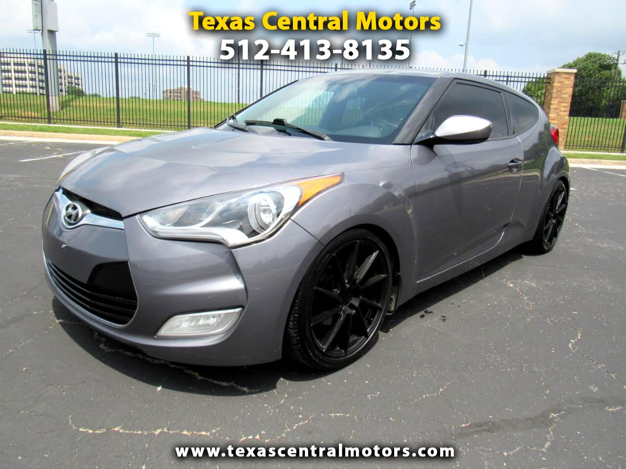 Hyundai Veloster 3dr Cpe Man w/Red Int 2012