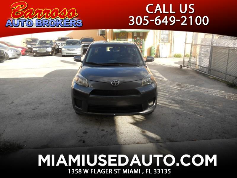 Scion xD 5-Door Hatchback 4-Spd AT 2014
