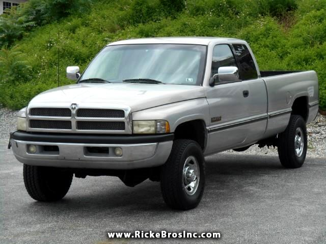 1997 Dodge Ram 2500 ST Club Cab 8-ft. Bed 4WD