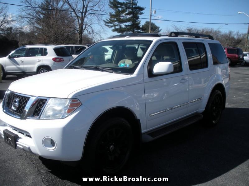 2010 Nissan Pathfinder LE 4WD