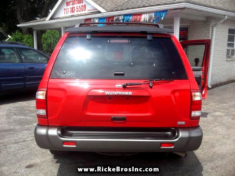 2000 Nissan Pathfinder XE 4WD