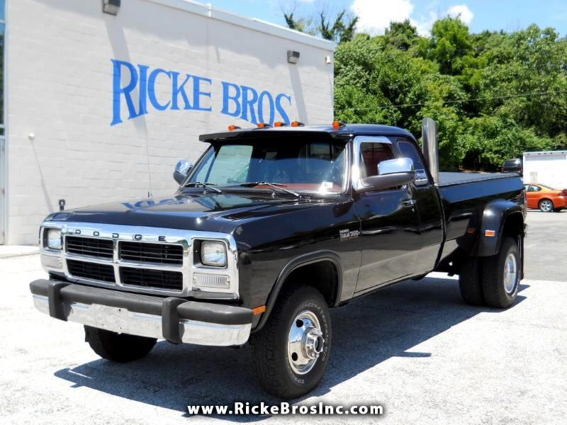 1993 Dodge RAM 350 Club Cab 8-ft. Bed 4WD