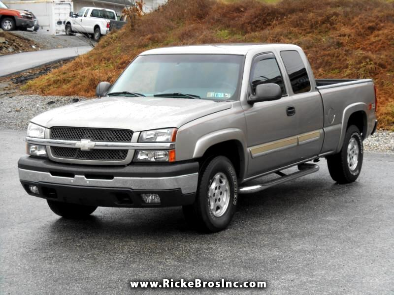 Chevrolet Silverado 1500 LS Ext. Cab Short Bed 4WD 2003