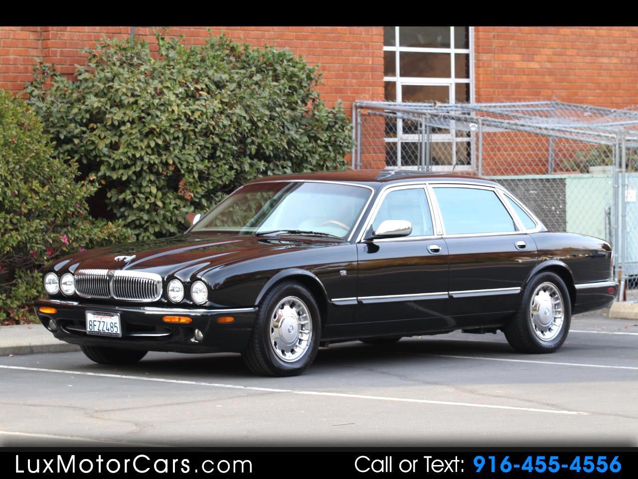 1998 Jaguar XJ Sedan Vanden Plas