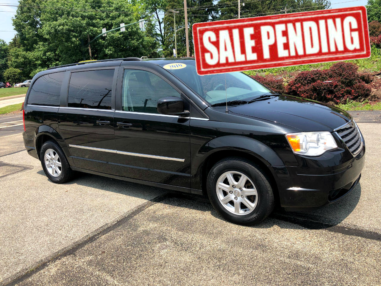 Chrysler Town & Country 2010 for Sale in Murrysville, PA