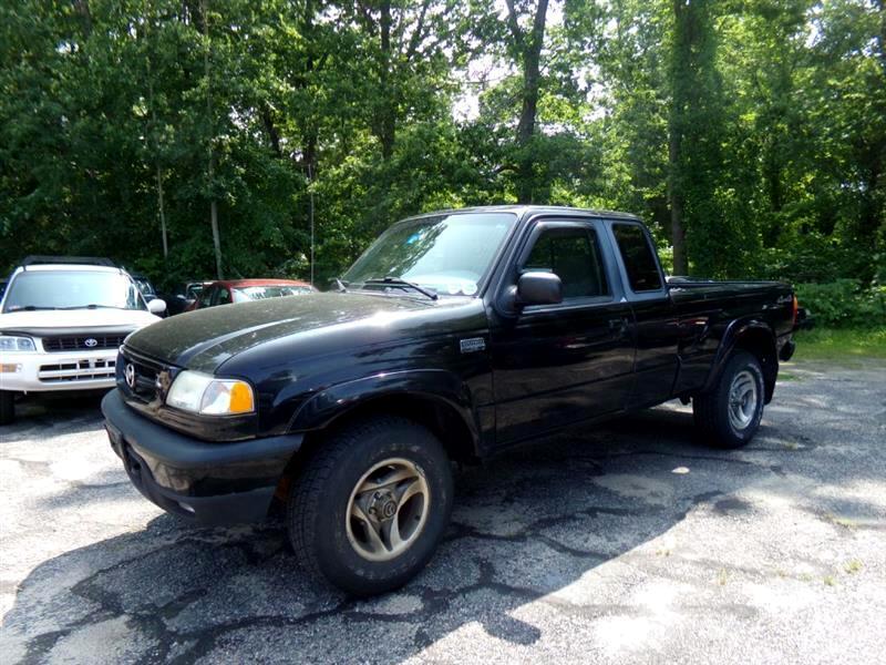 """2002 Mazda B-Series 4WD Truck Cab Plus 125"""" WB 3.0L Man SE"""
