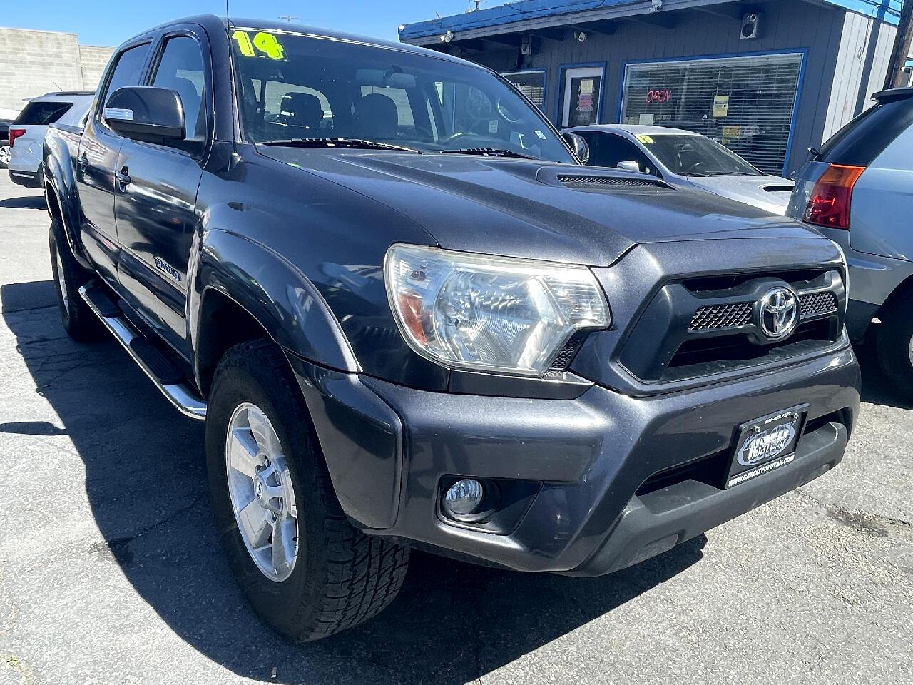 Toyota Tacoma 4WD Double Cab V6 MT (Natl) 2014