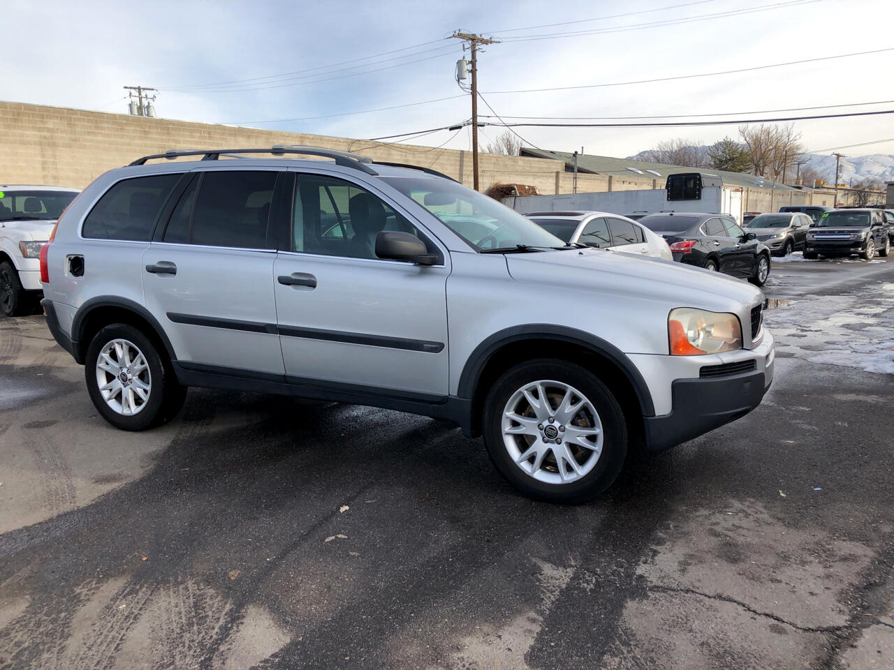 Volvo XC90 4dr 2.9L Twin Turbo AWD w/3rd Row 2005