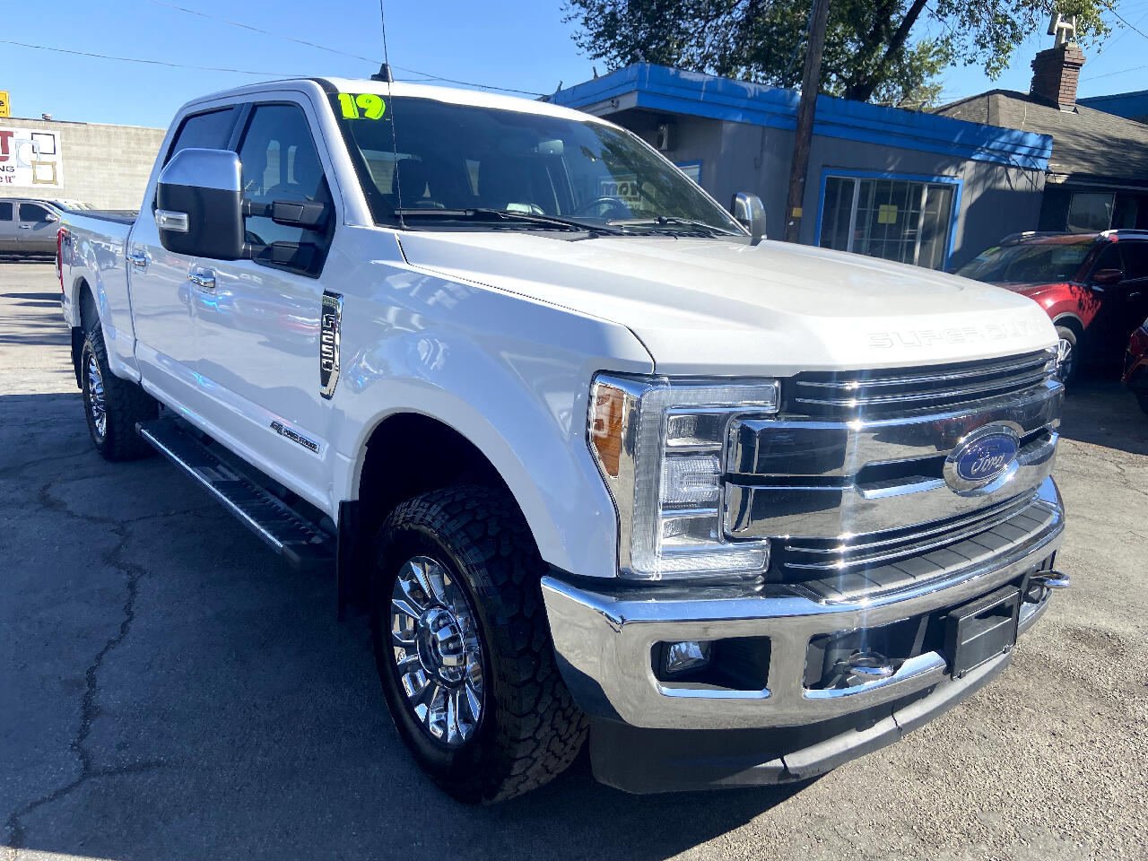 Ford Super Duty F-250 SRW Lariat 4WD Crew Cab 8' Box 2019