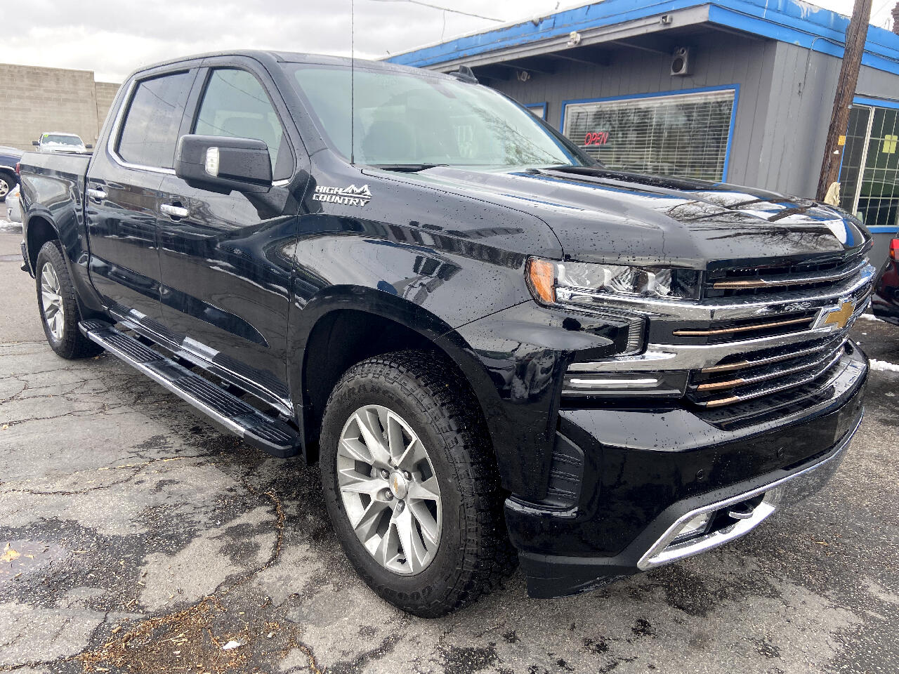 """Chevrolet Silverado 1500 4WD Crew Cab 147"""" High Country 2020"""