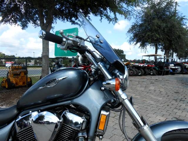 2005 Suzuki VS1400 S83 Boulevard with windshield
