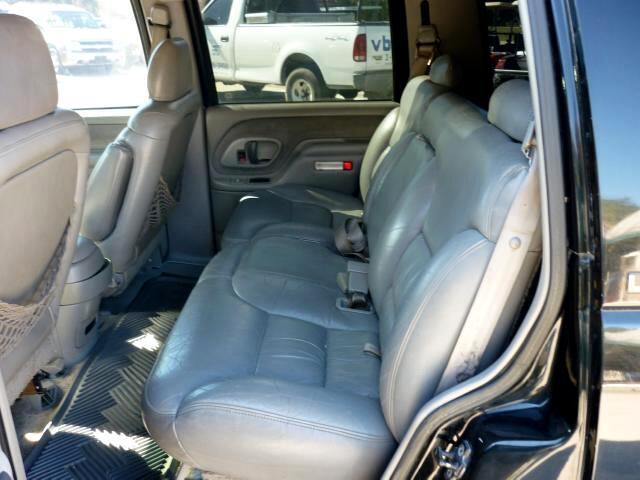 1995 Chevrolet Tahoe 4-Door 2WD Dual Exhaust Towing Package very clean
