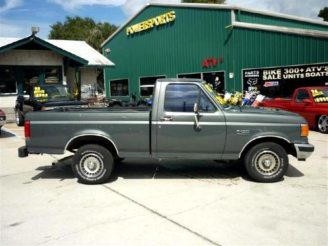 1987 Ford F-150 302 v8 engine with 4 speed granny low tranny runs
