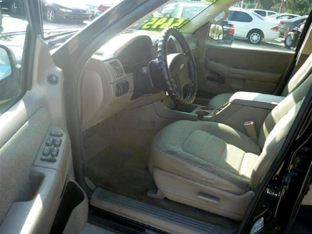 2004 Ford Explorer XLS Sport 4.0L 2WD Clean runs great