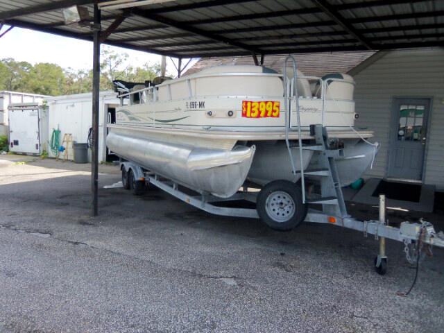 2004 Suntracker Party Barge