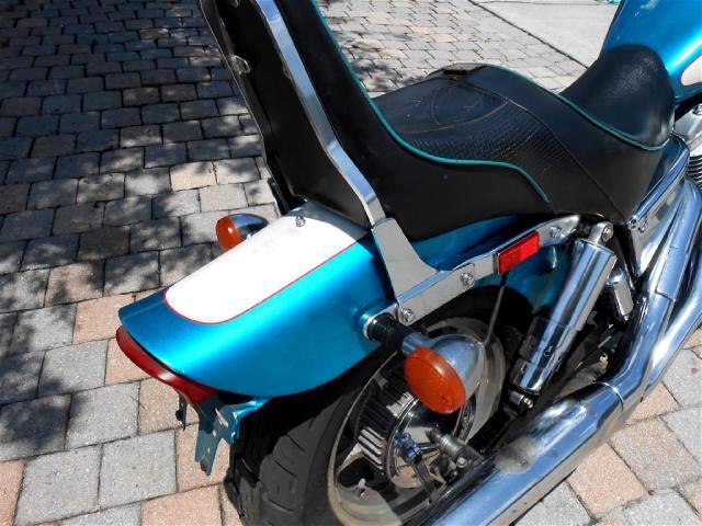 1995 Honda VT1100C Shadow Clean mid level touring bike runs good