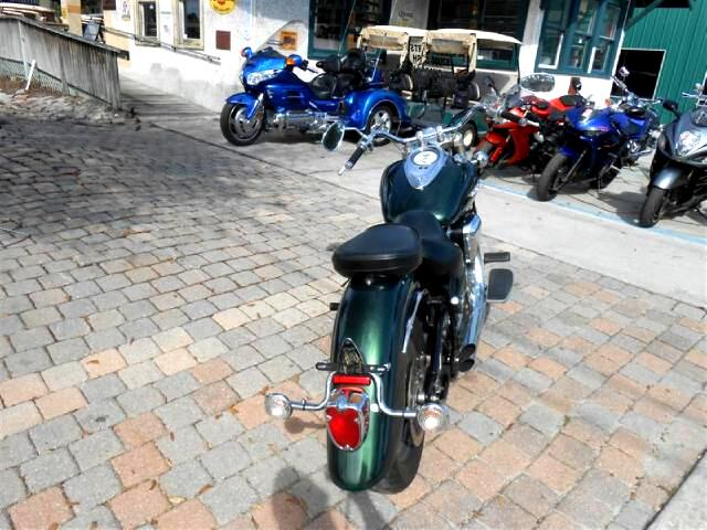 2001 Yamaha XV1600 Roadstar 1600 Big CC Cruiser lots of power with a