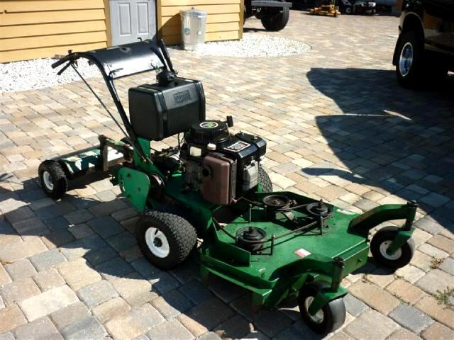 2003 Lesco Lawnmower Walk Behind