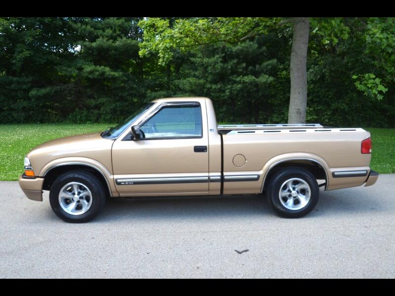 2000 Chevrolet S10 Pickup LS Short Bed 2WD