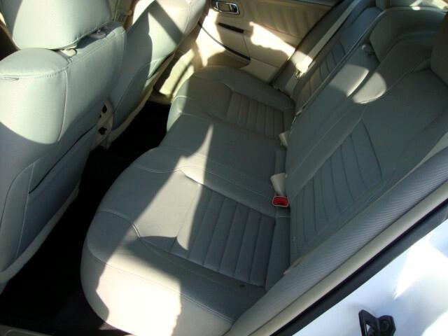 2015 Ford Taurus 4dr Sdn SE FWD