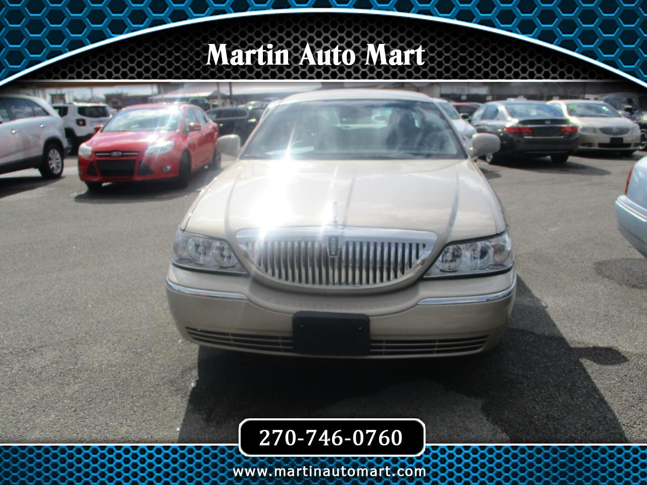 Lincoln Town Car 4dr Sdn Signature 2005