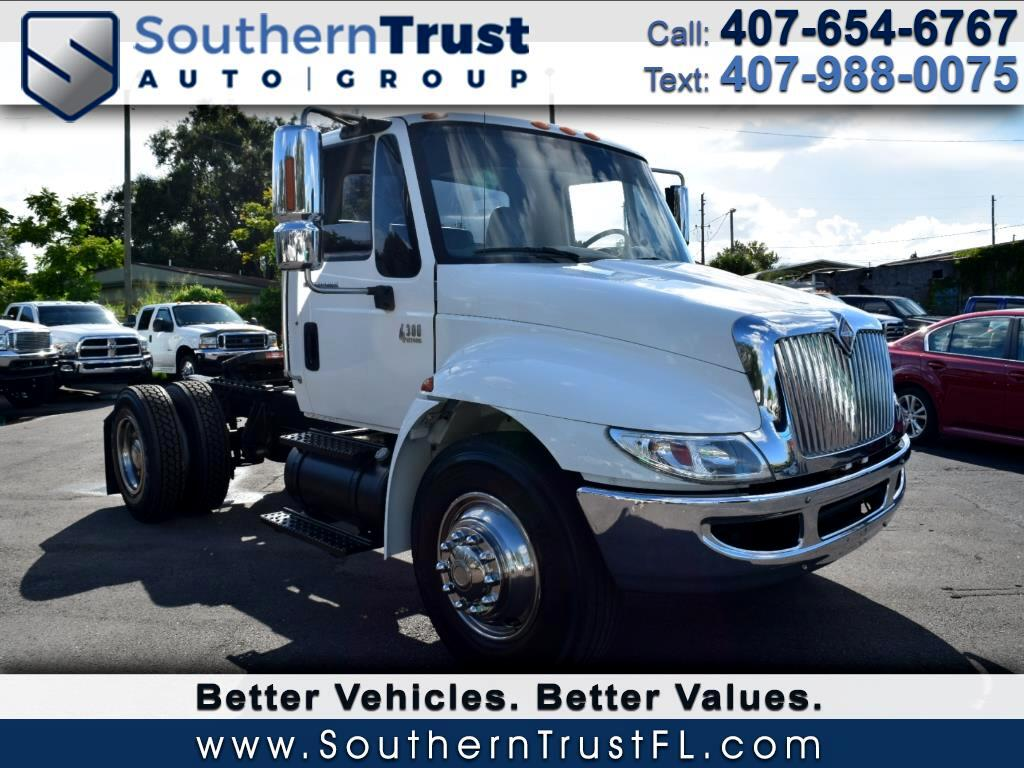 2004 International 4300 Day Cab
