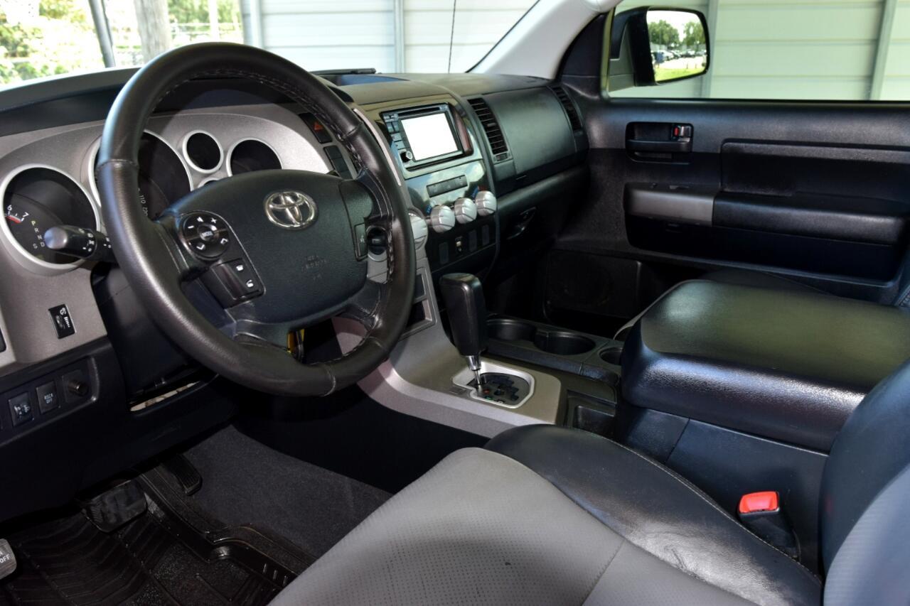 Toyota Tundra 4WD Truck CrewMax 5.7L FFV V8 6-Spd AT (Natl) 2013