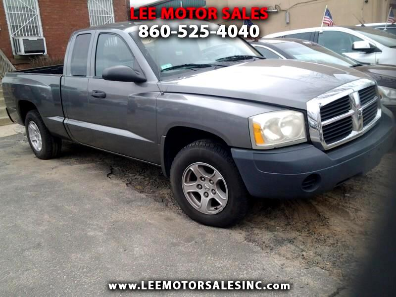 Dodge Dakota ST Club Cab 4WD 2007