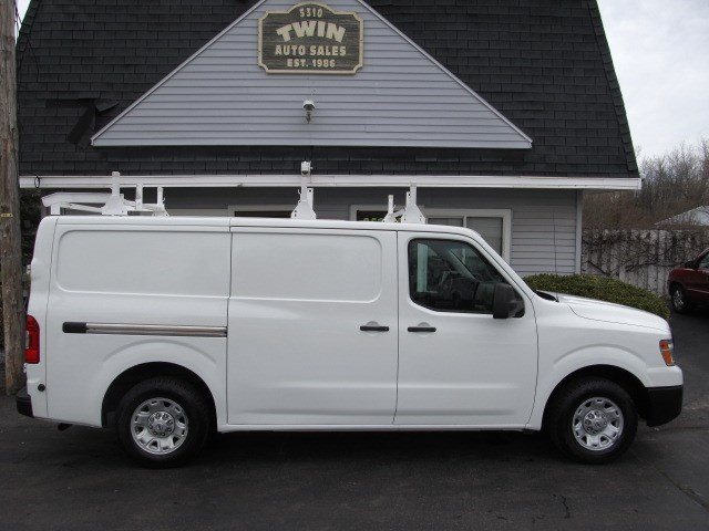 2013 Nissan NV Cargo 2500  Std Roof Ladder Rack