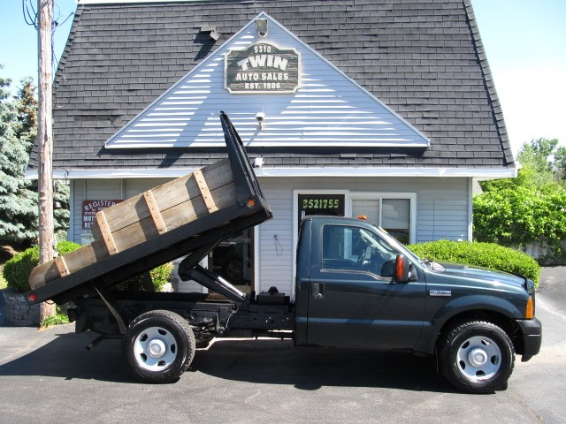2007 Ford F-350 SD Regular Cab 2WD Stake/Dump Body