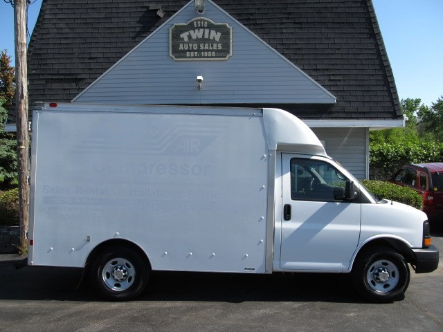 2014 Chevrolet Express G3500 10' Cube Body SRW