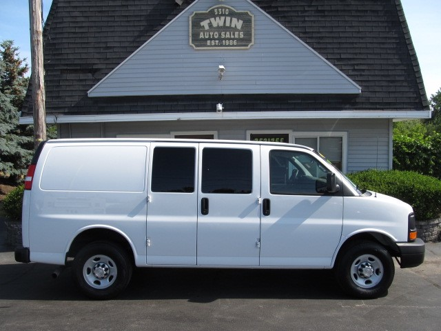2015 Chevrolet Express 2500 Cargo Van LOW MILES