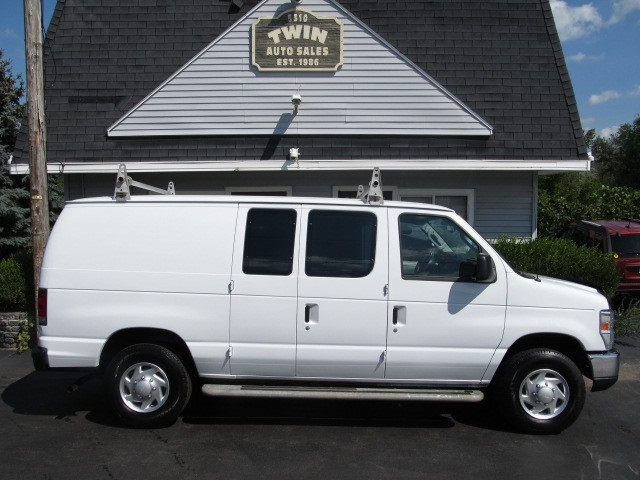 2013 Ford Econoline E250 Cargo Van Shelves Bins Ladder Rack