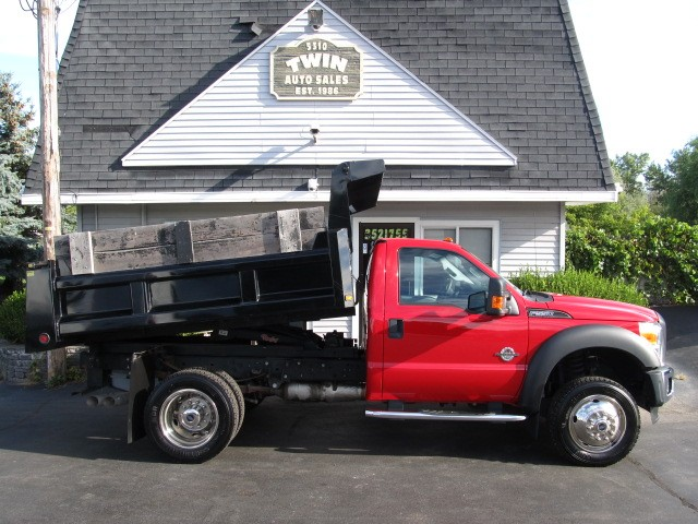 2016 Ford F-550 Regular Cab 4x4 Dump Body DRW