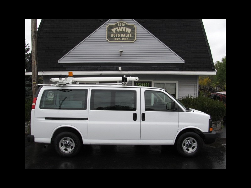 2007 Chevrolet Express 1500  Cargo Shelves Bins Ladder Rack