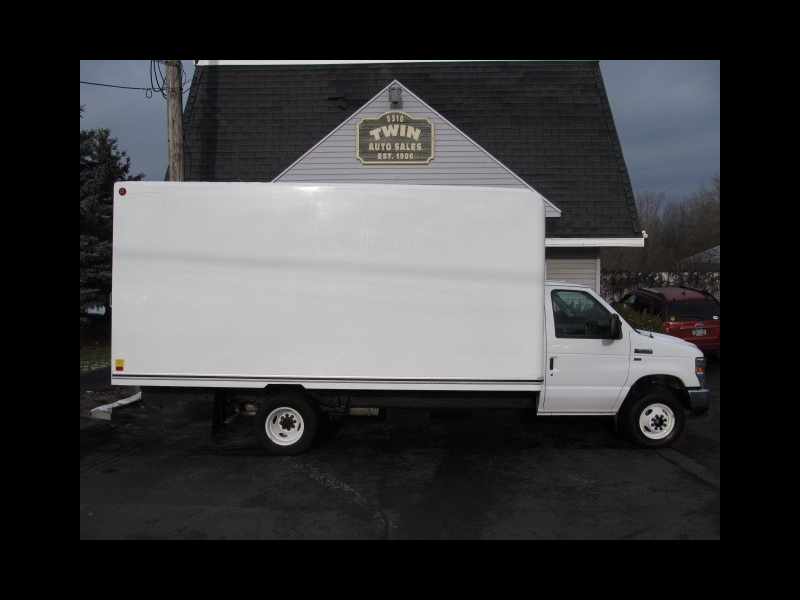 2016 Ford Econoline E450 16' Cube Body Pull-out Ramp
