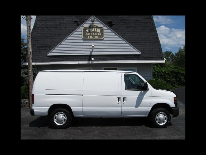 Ford Econoline E-150 Commercial 2009