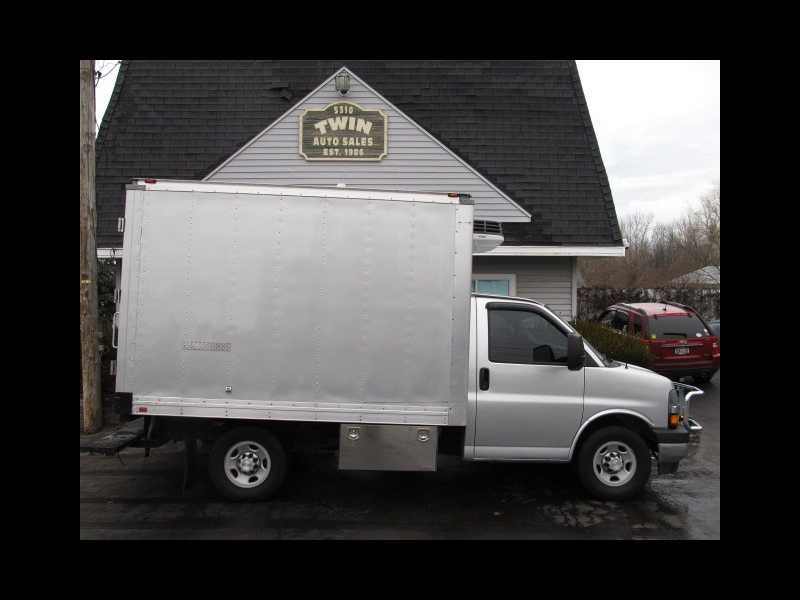 2017 Chevrolet Express G3500 12' Reefer Unit Rear Step Bumper  Pull-out R