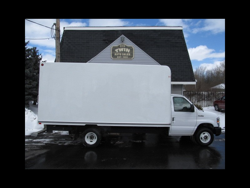 2018 Ford Econoline E450 16' Cube Body Pull-out Ramp DRW