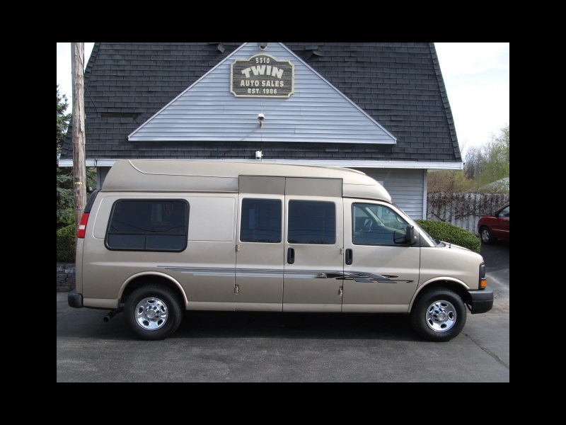 2011 Chevrolet Express 2500 Hi-Top Extended Mobility Works Wheelchair Van