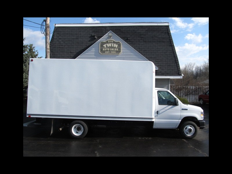 2018 Ford Econoline E-350 SD 16' Unicel Body Pull-out Ramp DRW