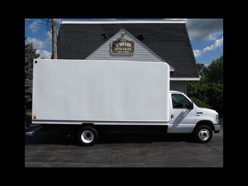 2018 Ford Econoline 16' Cube Van with Pull out Ramp