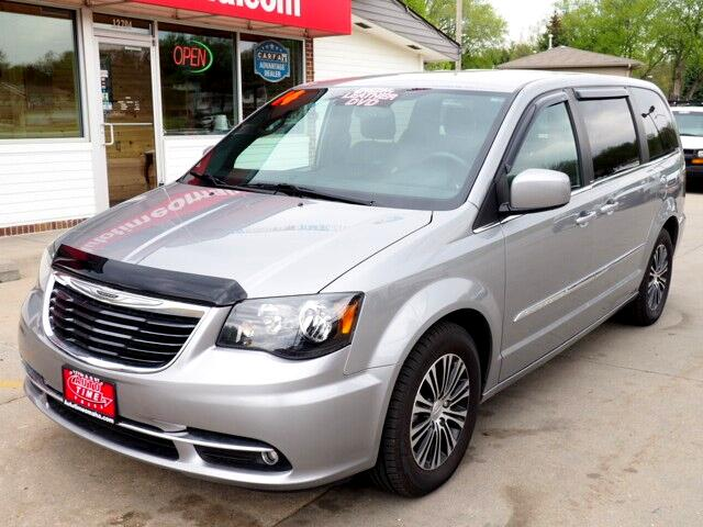 2014 Chrysler Town & Country S with Navigation and DVD