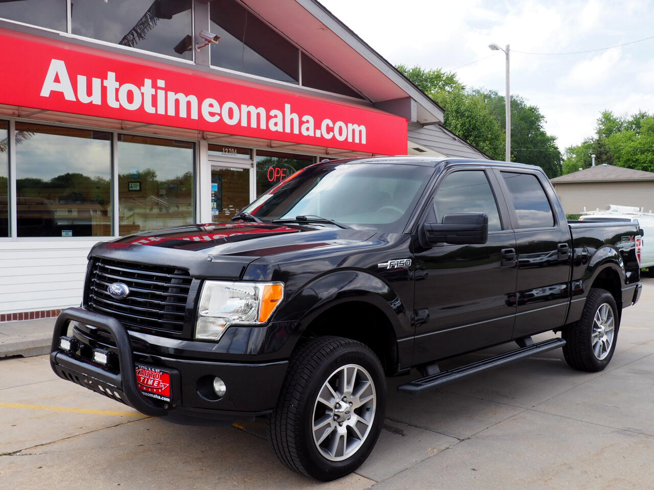 "Ford F-150 4WD SuperCrew 145"" STX 2014"